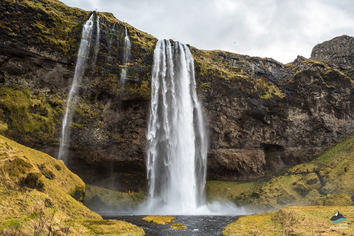 Seljalandsfoss-Waterfall-South-Coast-Iceland-1-1200x800