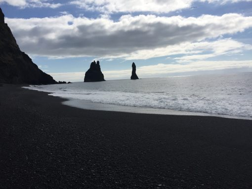 South shore and glacier via Reykjavik Sightseeing  * 11h *  ISK 21.990