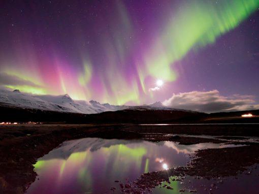 Circolo D'oro e aurora boreale