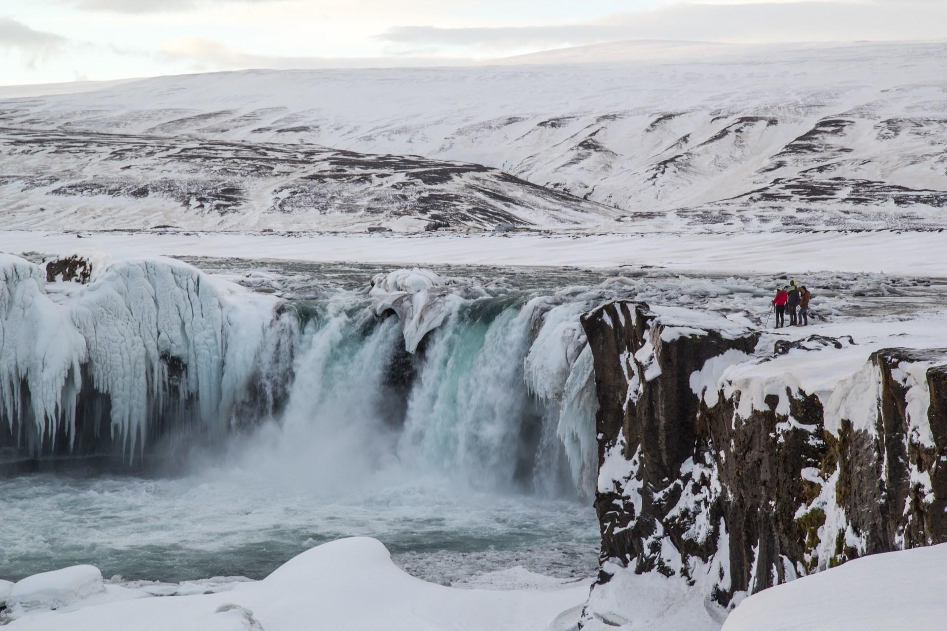 godafoss-winter